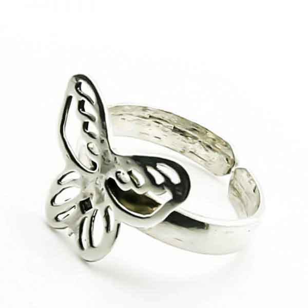 A simple butterfly ring