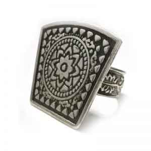 Greek inspired silver ring design