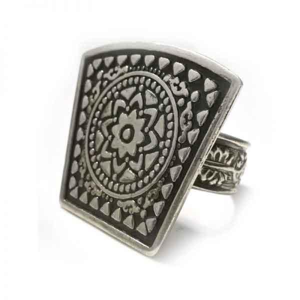 Greek inspired silver ring design