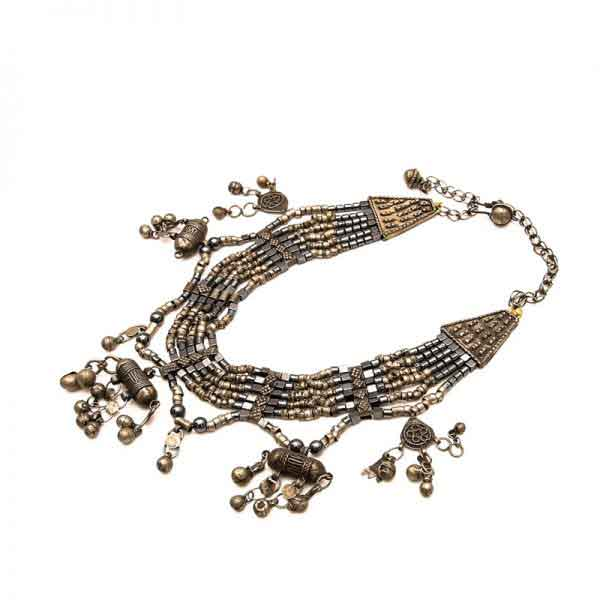 Bedouin necklace with beads