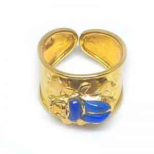 18K gold Scarab ring with stone